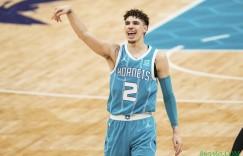 【大发扑克】三球揭幕战砍下至少30分5助5板 NBA史上最年轻达成此成就球员