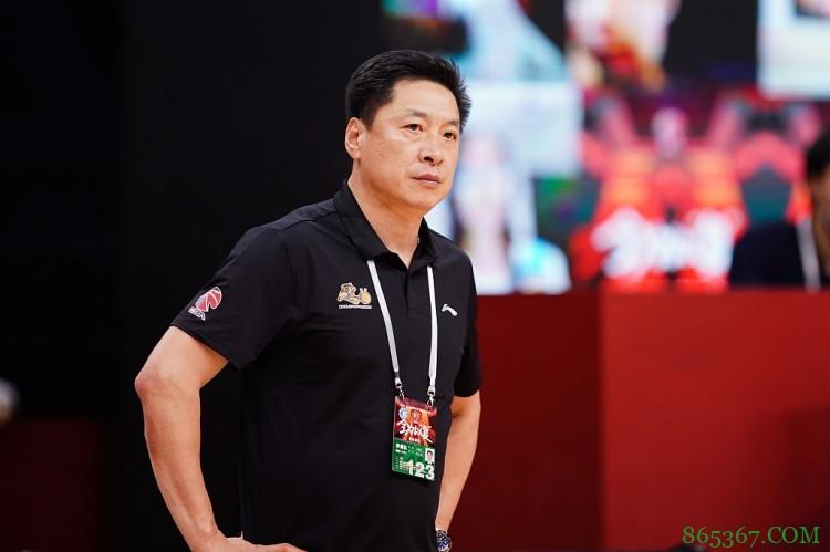 东体:李春江已和广厦和平分手 最快下周签约上海男篮