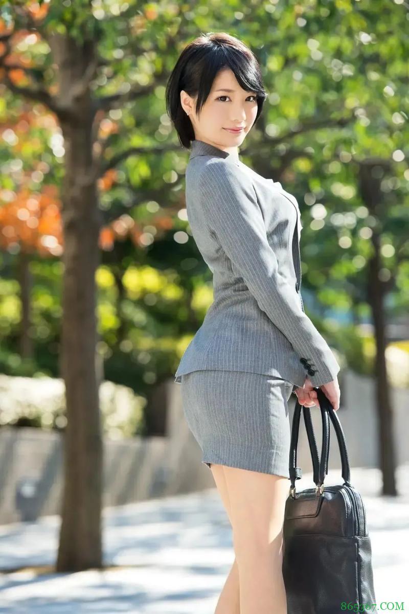 """香社头号演员铃村爱里 乖巧是""""暗黑郭雪芙""""杀手锏"""