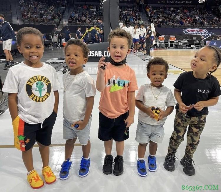 美媒晒美国男篮球员儿子现场合照并评论:雷霆未来首发五虎