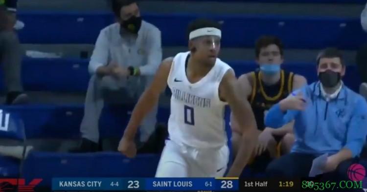 随队记者:篮网试训了来自圣路易斯大学的后卫乔丹-古德温