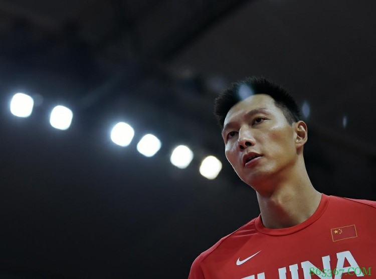 🎥阿联:运动员最希望的就是为国出战 我要为中国男篮再拼一次