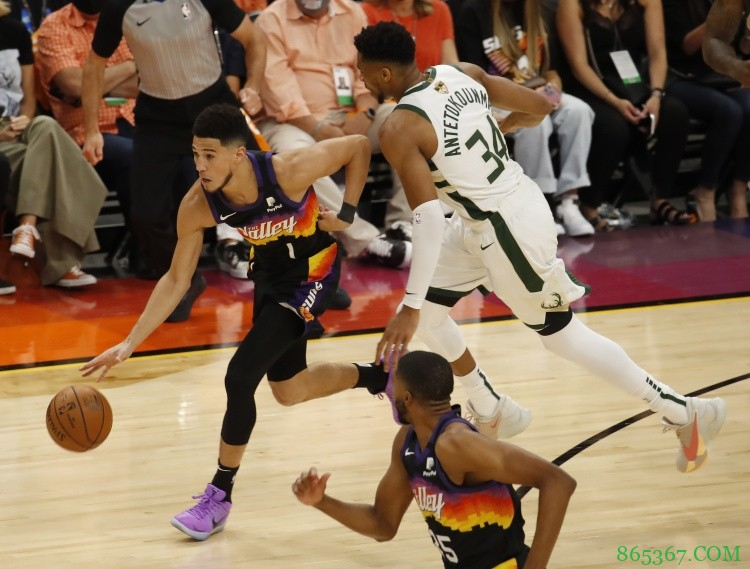 字母与布克今年总决赛各有2次单场40+ NBA历史首对