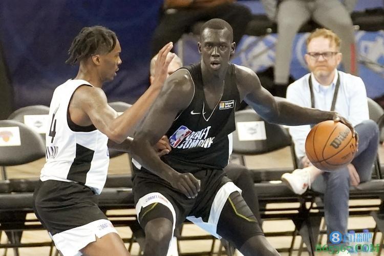 索恩-梅克的堂弟马库尔-梅克退出今年NBA选秀