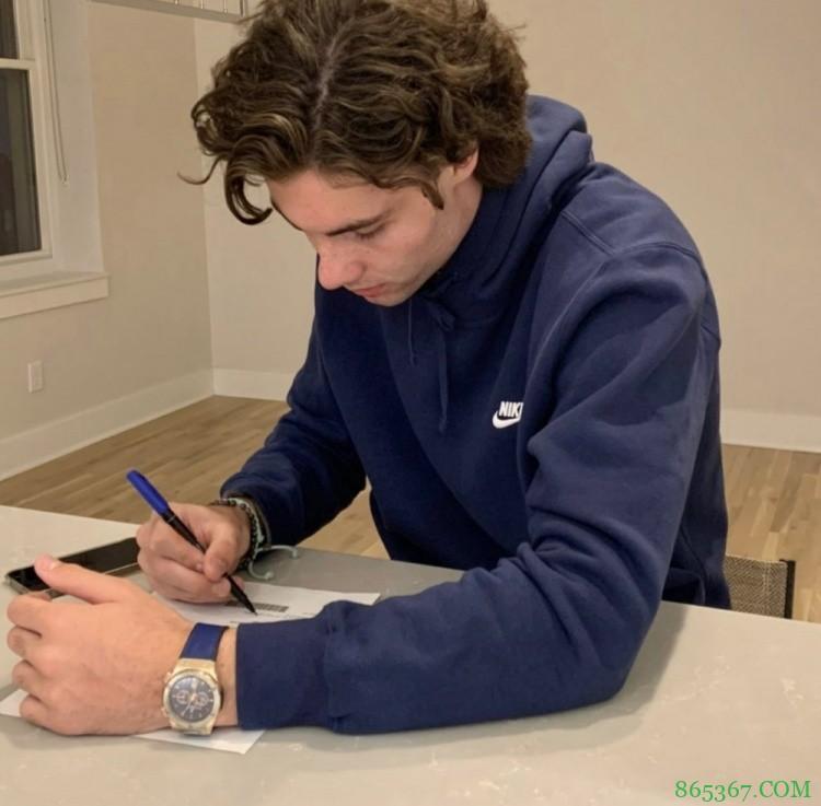 基迪签下球鞋合同 英格尔斯调侃:可以买点家具了